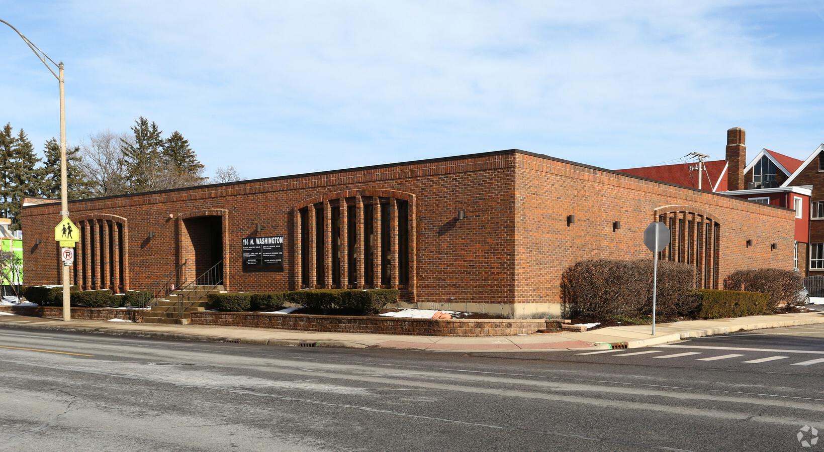 114 N Washington Street   I   Naperville, IL